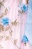 Dirndl mit Blumenschürze
